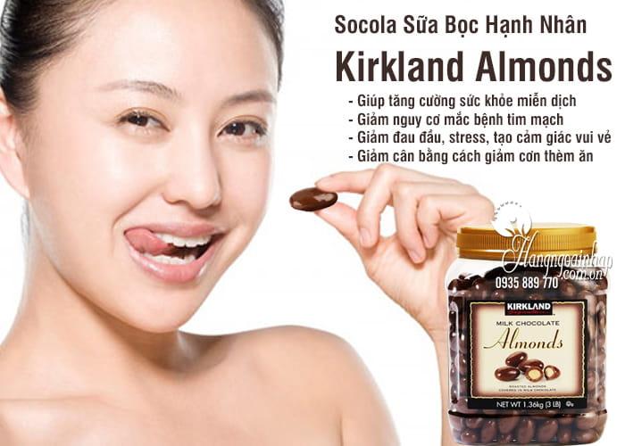 Socola Sữa Bọc Hạnh Nhân Kirkland Almonds 1.36kg Của Mỹ 2