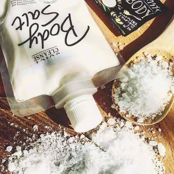 Muối tắm Body Salt Juicy Cleanse Utena 300g Nhật Bản