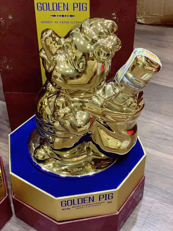 Ruou GOLDEN PIG chu Heo vang cua phap