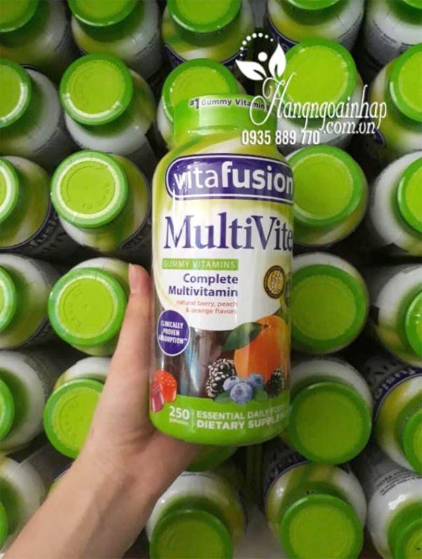Kẹo dẻo vitamin tổng hợp Vitafusion MultiVites 250 viên Mỹ 1
