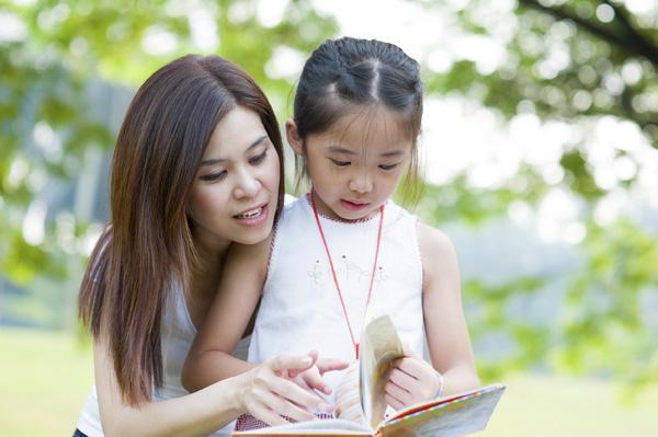 Những điều mà các bà mẹ nên dạy cho con gái trước 10 tuổi