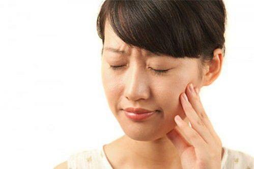 Cách điều trị răng ê buốt nhanh và hiệu quả