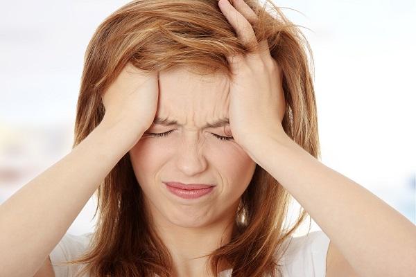Đau đầu là dấu hiệu của bệnh gì?