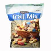 Hạt Và Trái Cây Tổng Hợp Trail Mix Kirkland 1.81kg Của Mỹ