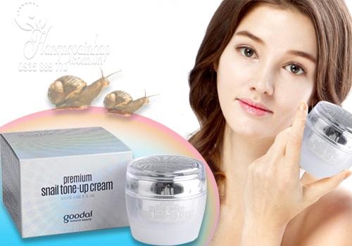 Kem ốc sên dưỡng trắng da Goodal Premium Snail Tone Up Cream 50g