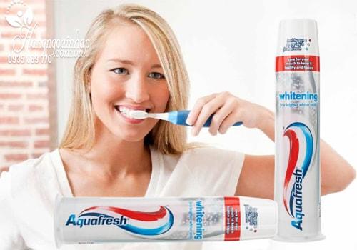 Kem đánh trắng răng Aquafresh Whitening 100ml