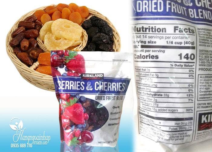 Trái cây sấy khô KirkLand Berries & Cherries Dried Fruit Blend 567g  của Mỹ