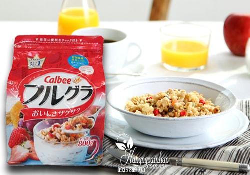 Ngũ cốc trái cây sấy khô Calbee 800g của Nhật
