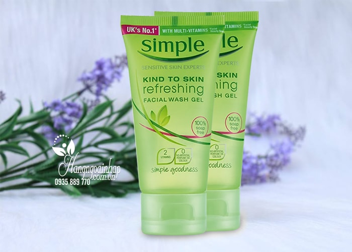 Sữa rửa mặt Simple Kind To Skin Moisturising Facial Wash 150ml