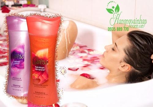Sữa tắm dưỡng ẩm hương hoa Caress 532ml của Mỹ