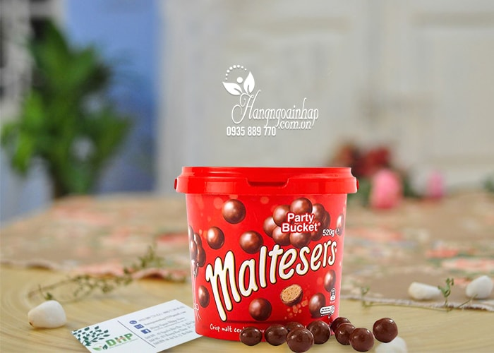 Hộp kẹo Socola Maltesers Party Bucket 520g của Mỹ