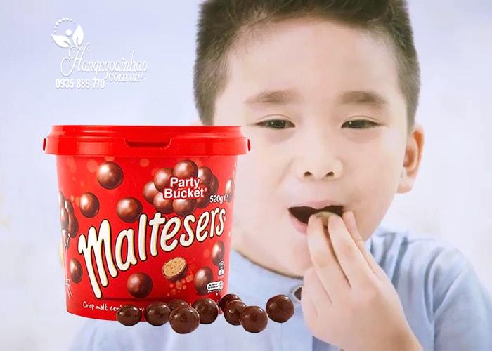 Hộp kẹo Socola Maltesers Party Bucket của Mỹ