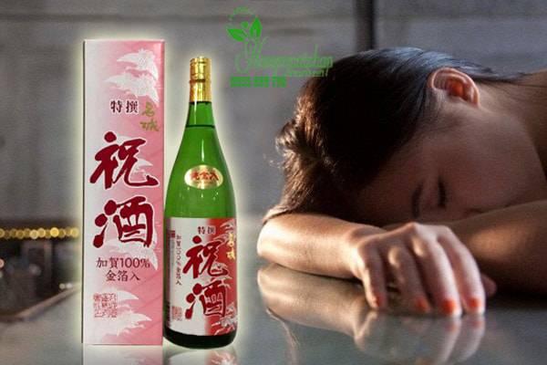 Rượu Sake Vẩy Vàng Alzu Homare Honjozo Kinpaku Shu