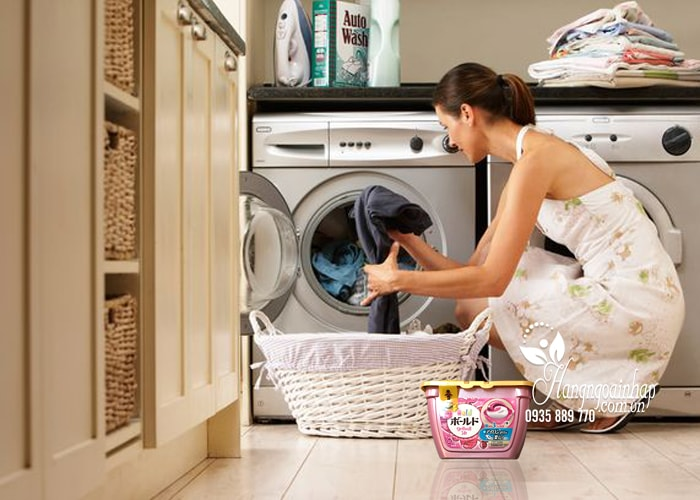 Viên giặt xả Gel Ball Ariel 3D hộp 18 viên của Nhật Bản