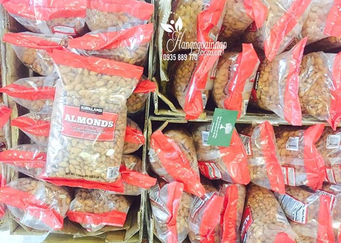 Hạt Hạnh Nhân Sấy Khô Kirkland Almonds Gói 1.36kg Của Mỹ