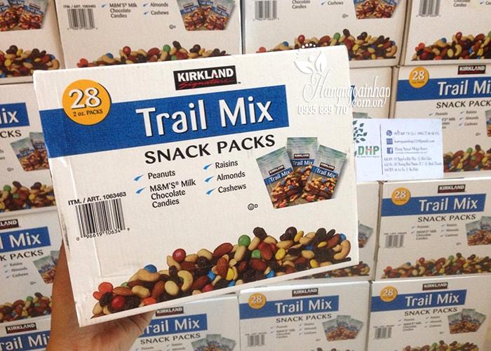 Hạt và trái cây tổng hợp Kirkland Trail Mix Snack Packs 28 gói của Mỹ