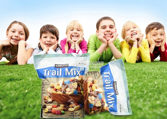 Hạt Và Trái Cây Tổng Hợp Trail Mix Kirkland 1.81kg bổ dưỡng