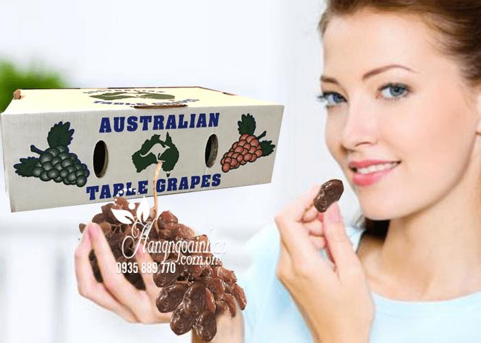 Nho khô nguyên cành Table Grapes thùng 4kg 100% tự nhiên