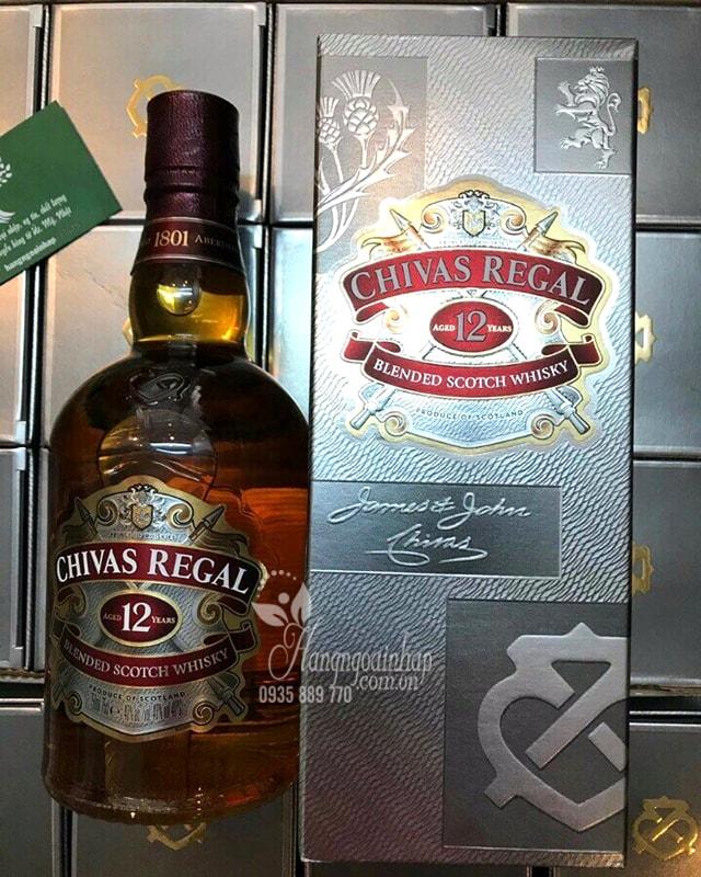 Rượu Chivas Regal 12 năm 750ml hộp giấy xách tay từ Singapore