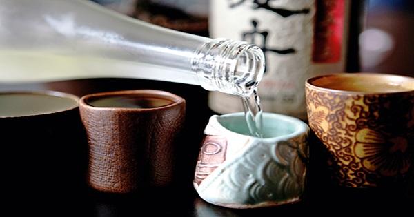 Cách uống rượu Sake