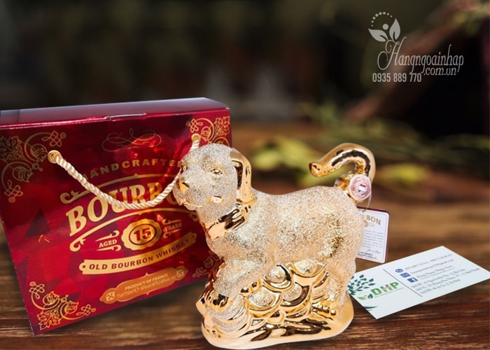 Rượu phong thủy con chó vàng Bourbon Whisky 15 năm