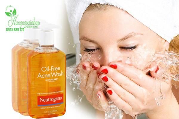 Sữa Rửa Mặt Trị Mụn Neutrogena Oil-Free Acne Wash 269ml